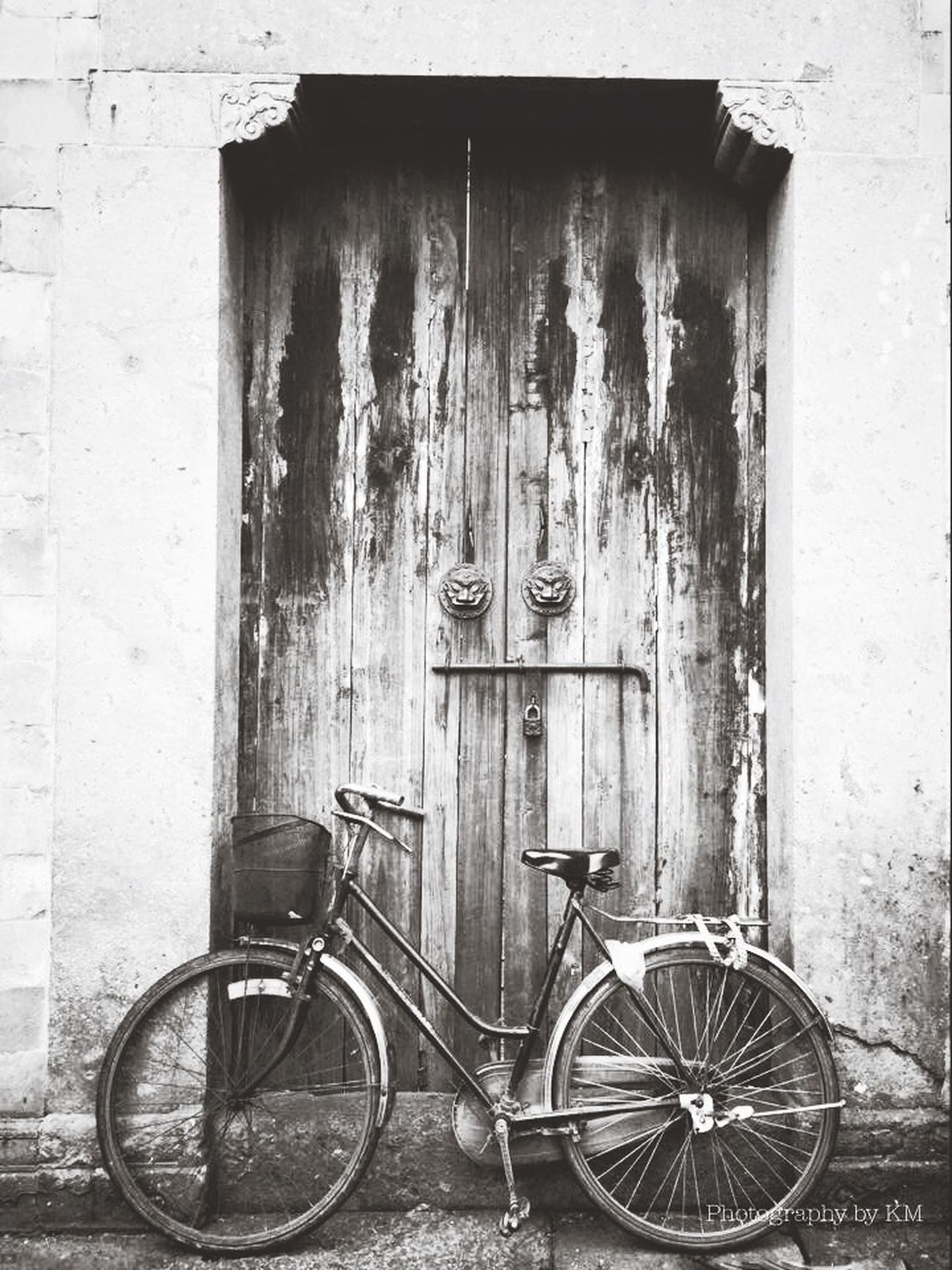 Streetphotography Street Photography Shades Of Grey Black And White Blackandwhite The Minimals (less Edit Juxt Photography) Travel Photography Travelphotography Door Bicycle