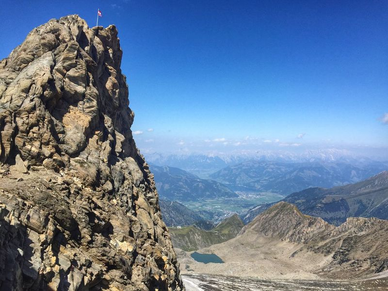 Climb mountains not so the world can see you, but so you can see the world. 🌎 Kitzsteinhorn, Salzburg, Austria Wanderlust Travel Photography Traveling Protecting Where We Play EyeEm Best Shots Summer Views Quotes Hello World Austria Edge Of The World