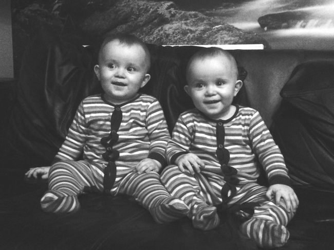 Togetherness Love Casual Clothing Innocence Indentical TWINS ♥ Twin Boys Brothers For Life Brothers Blackandwhite Photography Fresh On Eyeem