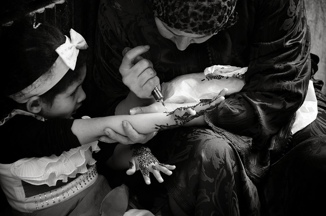 Women Around The World Women Who Inspire You Motherhood Streetphotography Real People Daily Life Motherhood Moments Lifestyles Togetherness Women Of EyeEm Woman Power Ceremony Human Body Part Human Hand Henna Henna Tattoo Mother & Daughter Life Events Blackandwhite Photography Local Culture Childhood - Medina De Fez Fez Morocco Africa