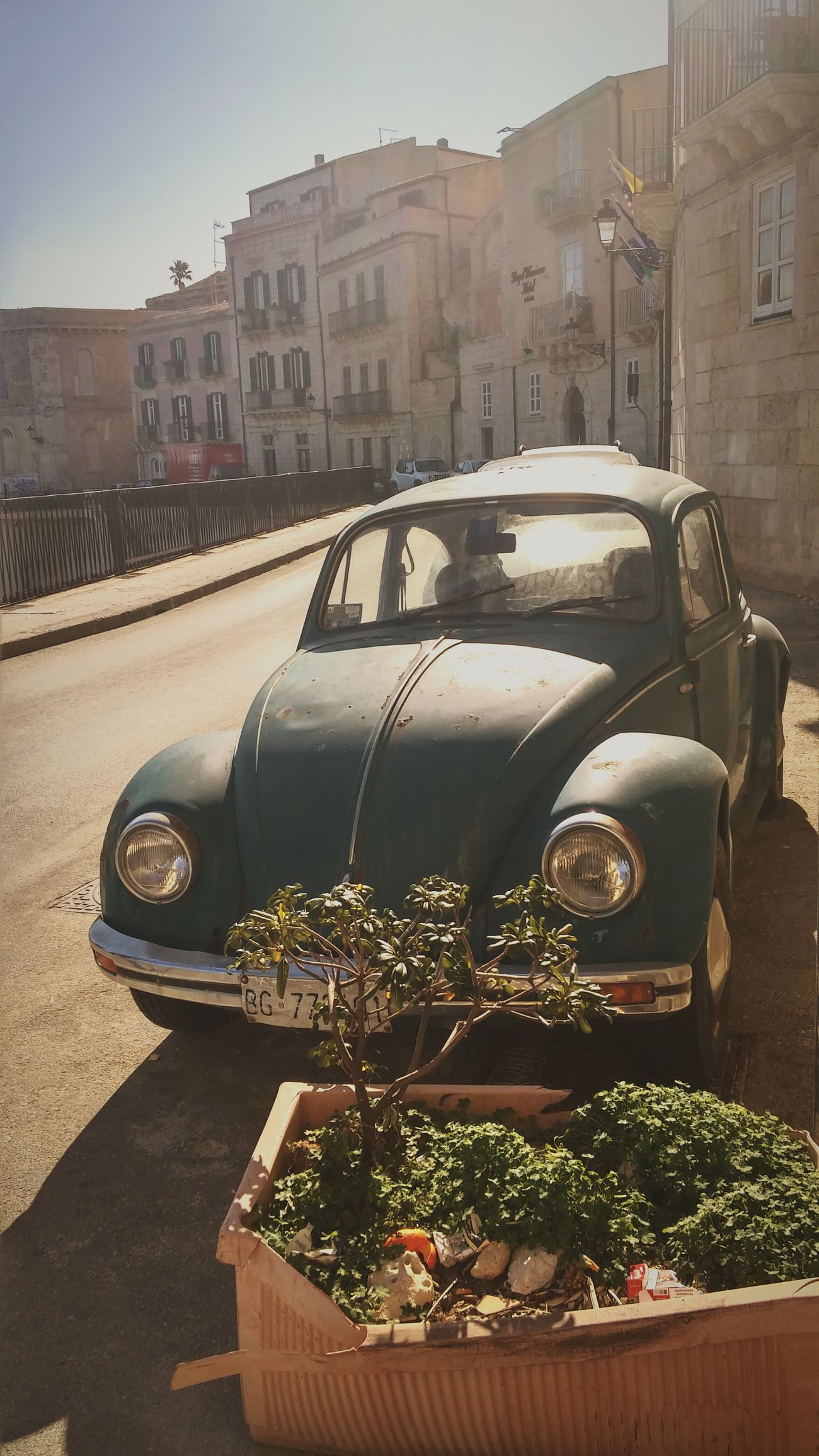 The City Light City Car Old Car Syracusa Historical Building Outside Februar 2017 Walking Sicilianjourney City Life Travel Destinations Sunny Day In The City Holiday Trip