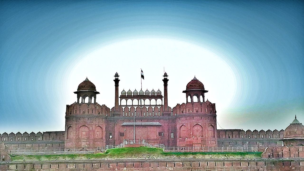 Red Forte Area, New Delhi , India Redfort Delhi Old Delhi Monument Architecture Built Structure Building Exterior Heritage Heritagebuilding Mughal Mughalarchitecture MughalEra Shahjahan Red Fade Outdoors Ancient Incredibleindia ChandiChowk