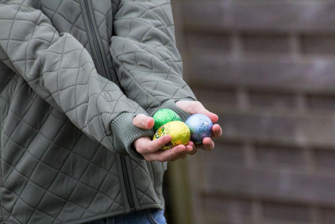 Easter Easter Egg Hunt Easter Eggs Easter Sunday Easteregg Hands Holding Eastereggs Hands Holding Food