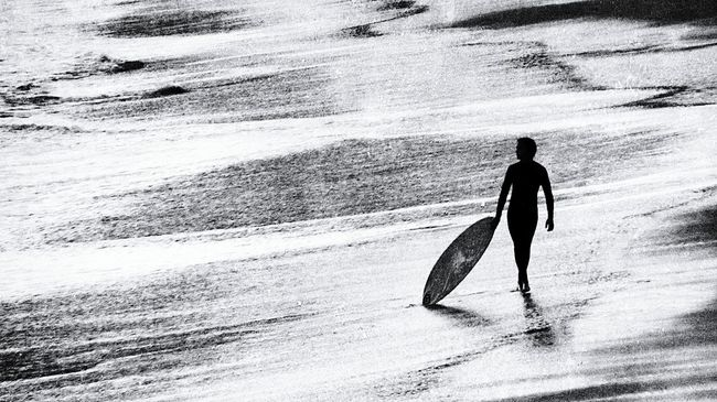 Surf's Up The surfer looking out to sea.. Skim Boarding Skimmers Black And White Black & White People People Watching Beach Waves Enjoying Life Beachlife