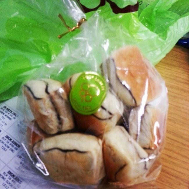 Breaktime snacks :D Fourleaves