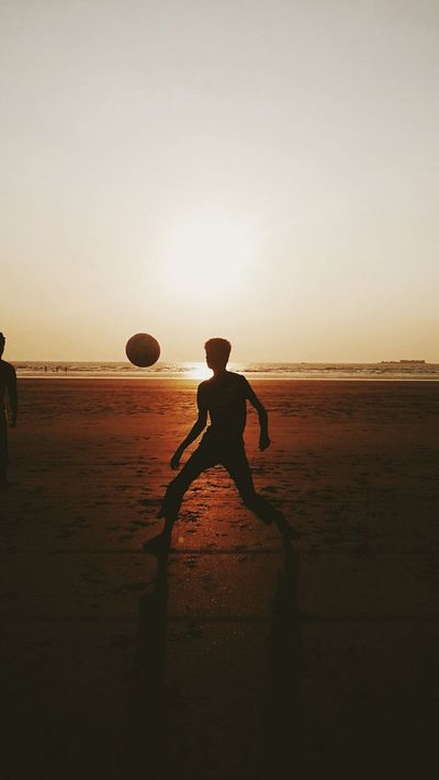 Summer Views Sunset Sunset Silhouettes Playingfootball Outingwithfriends Fun Adventure Enjoying Life Eyeemphotography Eyemnaturelover