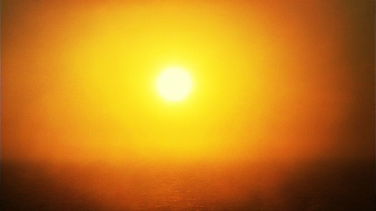Great Sunlight... wooow Soaking Up The Sun Sun Light Beautiful Sunset Enjoying The Sunset Golden Hour Sunset_collection Orange Color Orange Sky Orange Sunset Sun Light In Sky