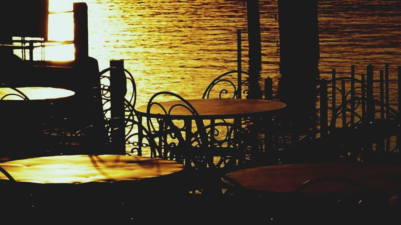Chair No People Table Nature Outdoors Lake Lakeshore Lakesideview Lakeside Sunset Silhouettes Sunset Sunset_collection Shadow Light And Shadow Light Lightporn