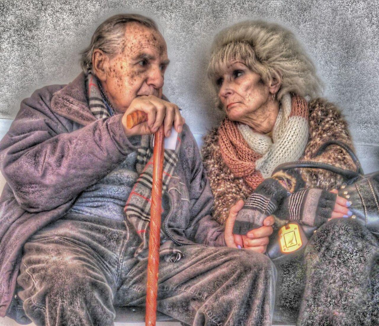 Taking Photos Buenosaires Argentina Amor Verdadero Truelove💕 Foreverlove Amoreterno Parejas♡ Ancianos Tomados De La Mano Holding Hands