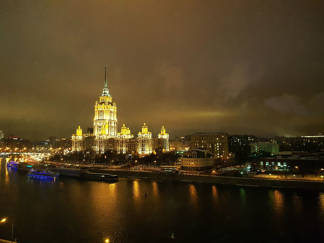 Night Travel Destinations City Cityscape Illuminated Tourism Gold Colored No People Architecture Water Radisson Moscow