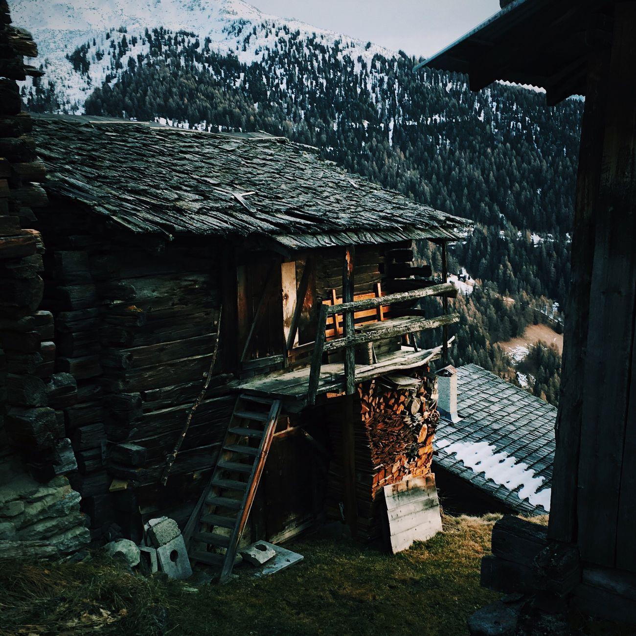 Mountain Vscocam No People Built Structure Architecture House Montagne Switzerland Suisse  Valais Building Exterior Chalet Schweiz VSCO Maison Bergen