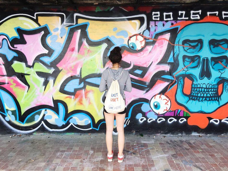 Street art EyeEm Best Shots Streetphotography Girl Colour Of Life