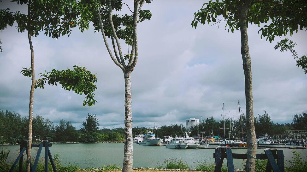 Miri Marina Biakkch EyeEm Eyeem Sarawak Borneoisland Borneo Big Boat&small Boat enjoy the view by my lens
