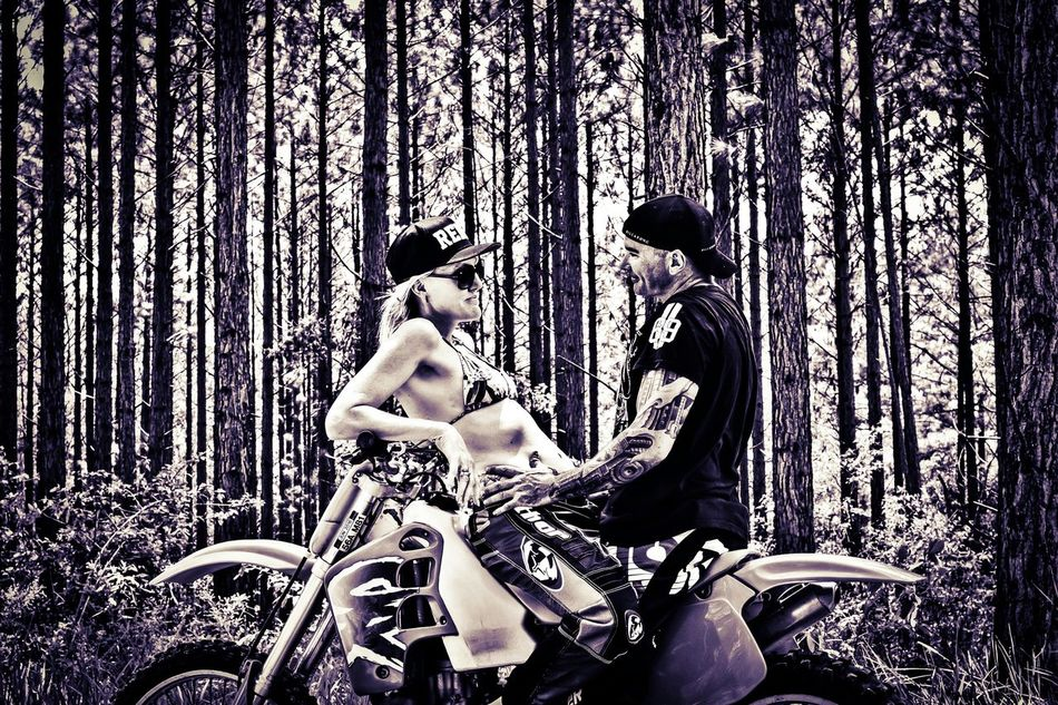 I got hubby to d9 a mini shoot with me and well this was the outcome of one.. my love and my heart along with our 2 beautiful girls! Australia Inkedlife Tattooed Aussiegirl Aussiepride Nikonphotography Popular Photos Capture The Moment Femalephotographerofthemonth Motocross Motocrosslife Motocrossmadness Brappp