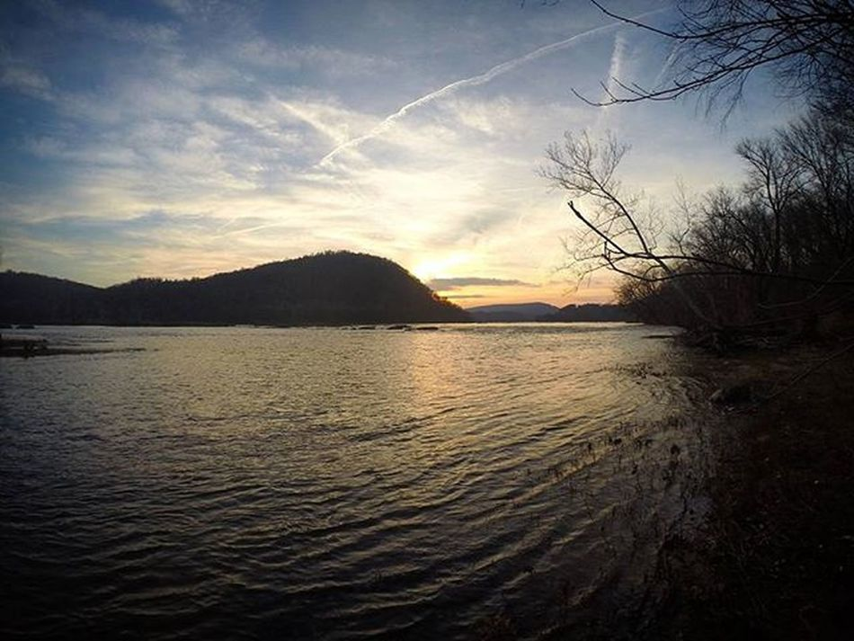 Where to hike tomorrow?! _________ ____ __ _ Westvirginia Harpersferry Winteradventures MD Gopro Goprooftheday Goprodmv Sunset Sunsetporn Sunrise Mountains Nature Landscape Hiking Besomebody Tb Hero3 Potomacriver Clouds Adventure Warrenjc Lonelyplanet Theoutbound Clymblife travel followyouradventure
