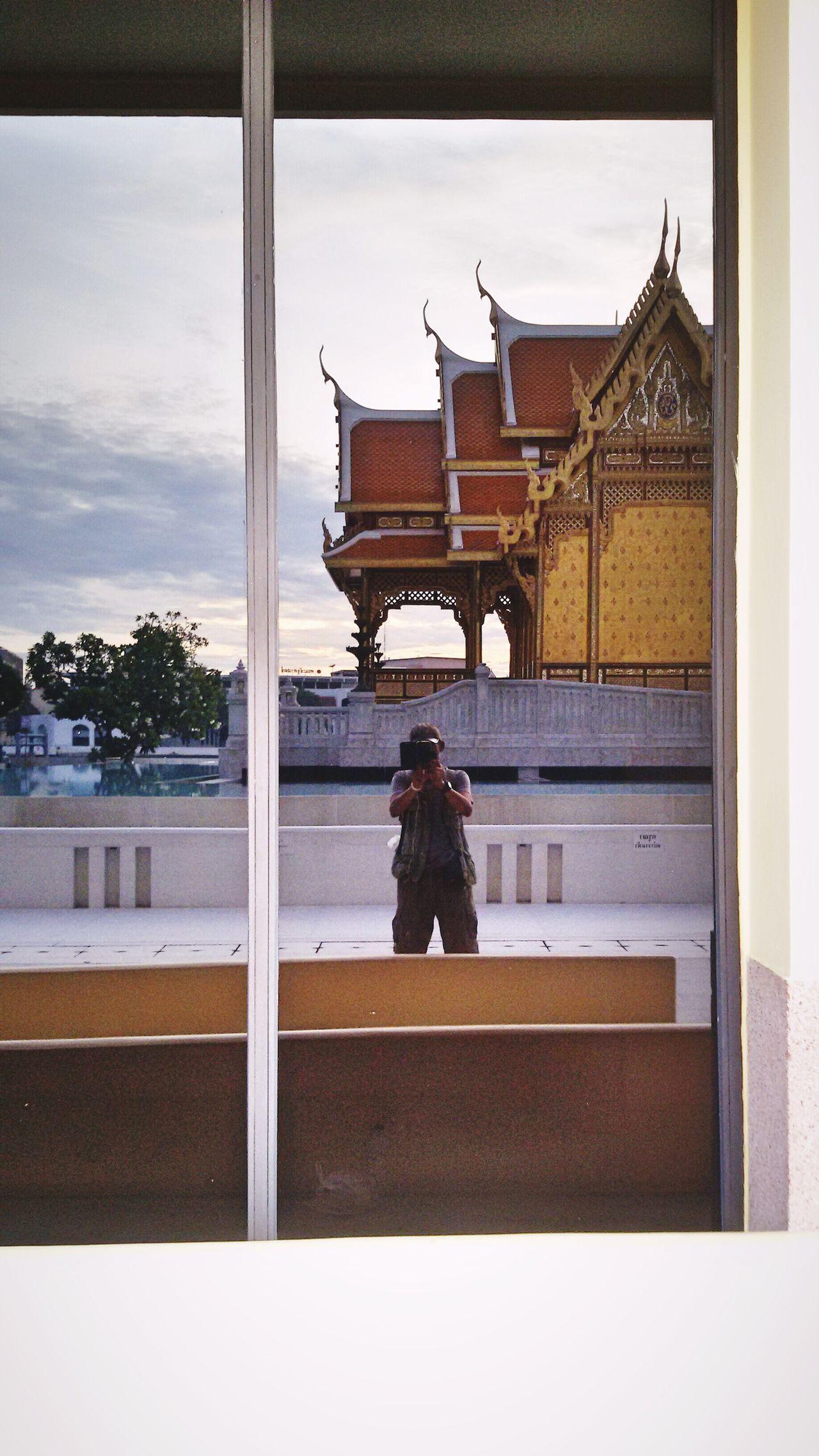 Creative Light And Shadow , Shadow on Glass. Open Edit. Eyeem Gallery Taking Photos.