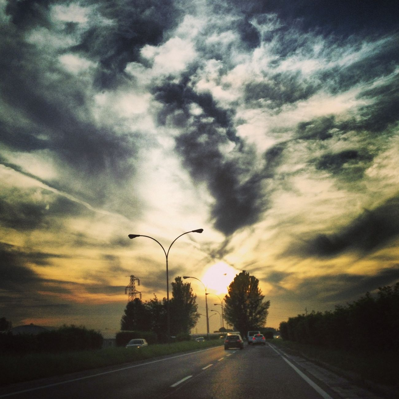 #sunset #sun #clouds #skylovers #sky #nature #beautifulinnature #naturalbeauty #photography #landscape