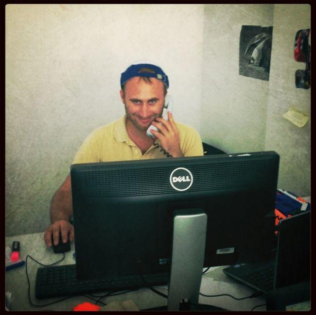 Dial L For Love 0800-L-O-V-E Chiffre 0815 Profis Am Werk