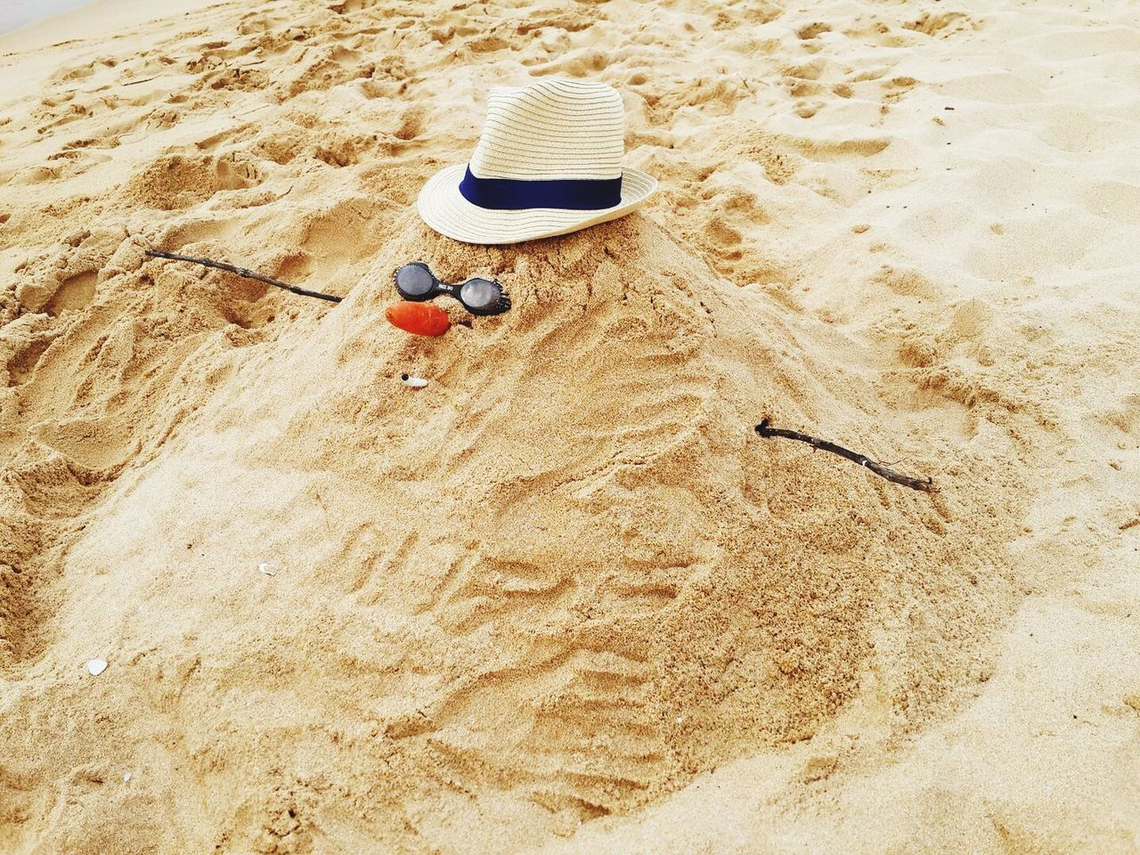 sand, beach, high angle view, vacations, day, nature, childhood, outdoors, sea, playing, flying, one person, sand pail and shovel, people