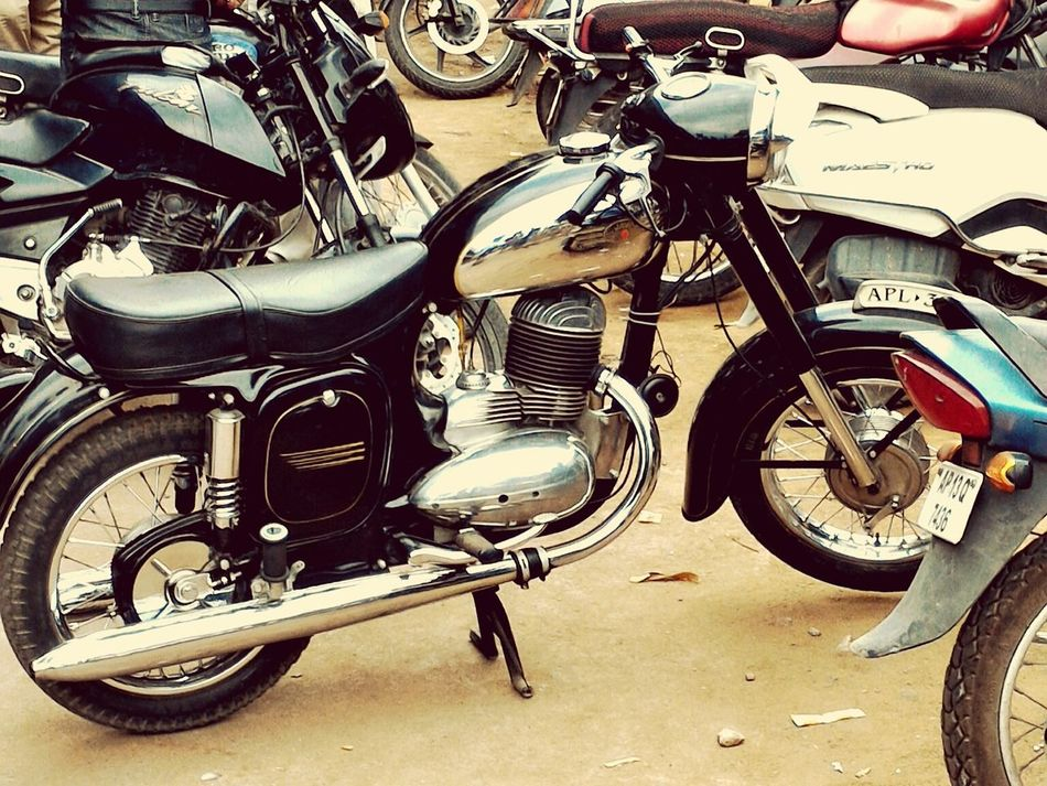 Transportation Street Parked Mode Of Transport Road Land Vehicle Outdoors Yezidi Motorcycles Lieblingsteil