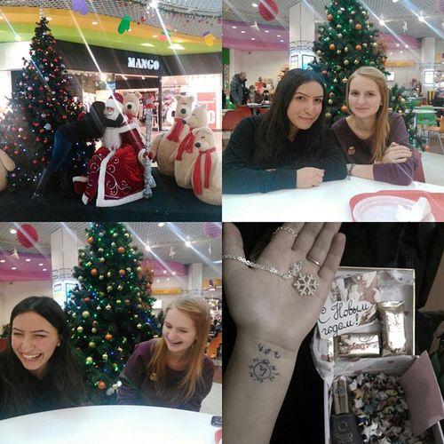 хорошо посидели с моими @belaya_belaya7 и @magenta_owl) а еще, я загадала желание Дедушке Морозу) подарки праздниккнамприходит любимые Ouat АннаЭльза снежинкажеланий тату мимими
