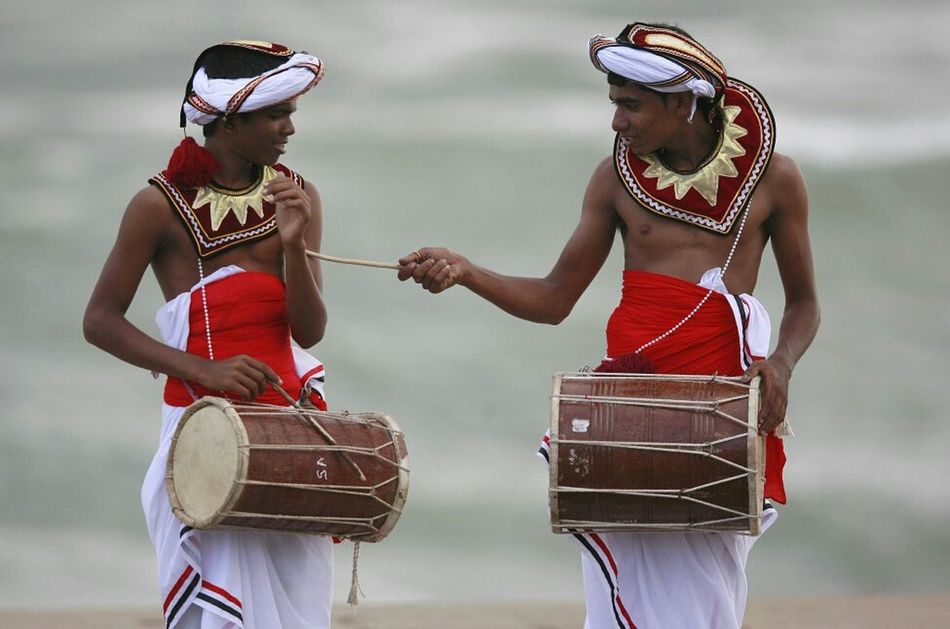 Sri Lankan Traditional Drummers And Costumes Check This Out Natural Photography