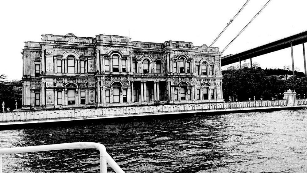 Istanbulcity Happyday Popular Photos Photooftheday Blackandwhite ıstanbul Istanbuldayasam Objektifimden Istanbuldaysam Hello World