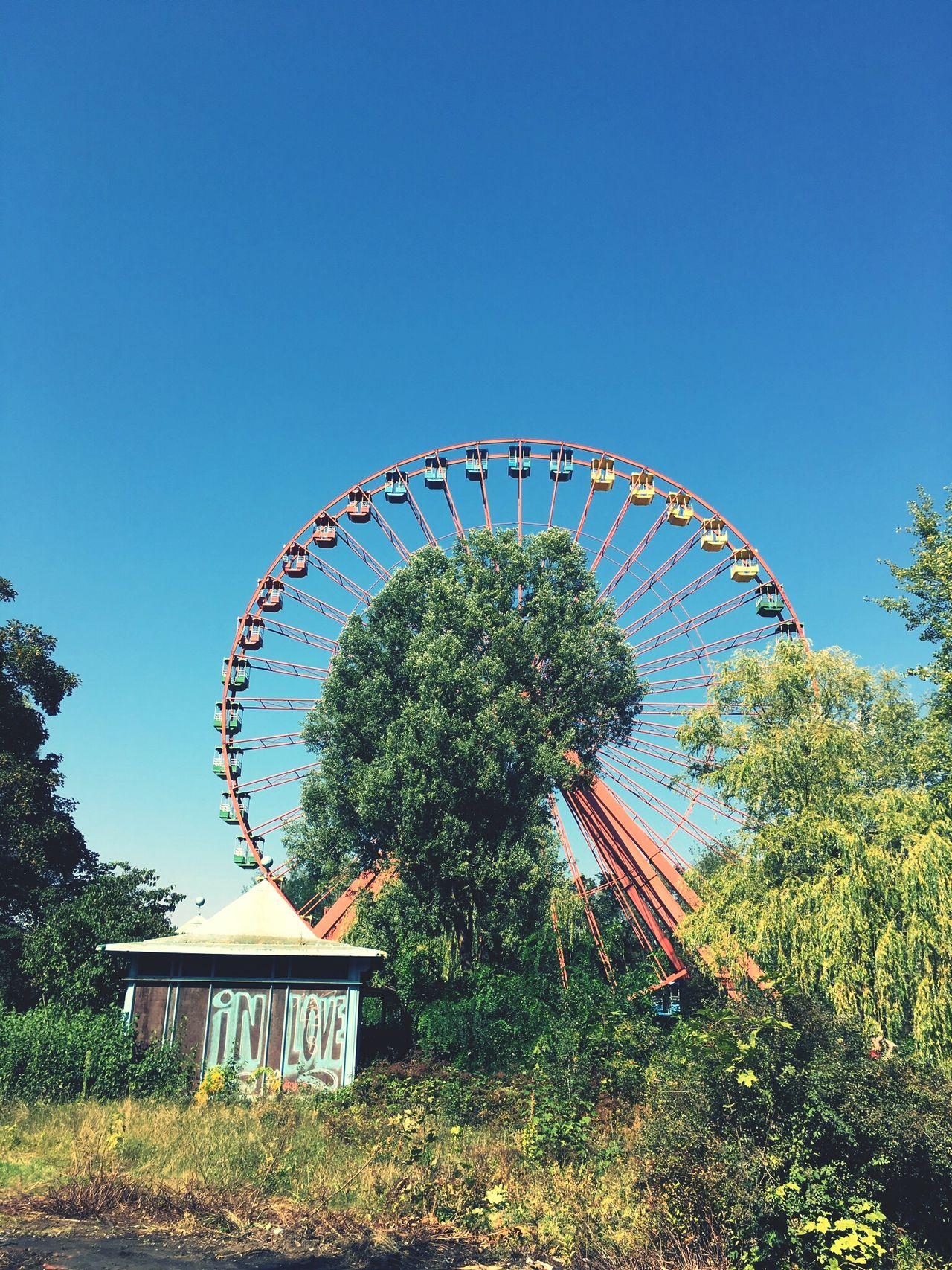 Berlin Spreepark Plänterwald Abandoned Themepark Ferris Wheel Urbex