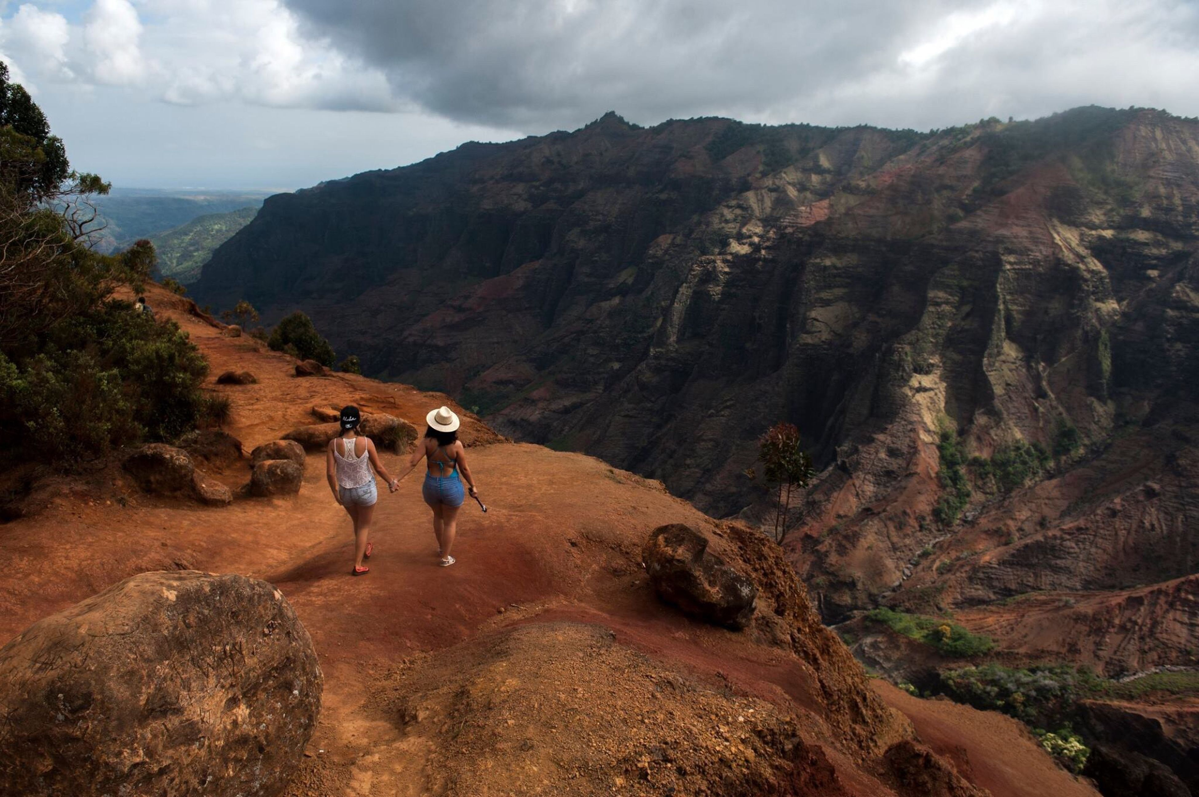 Adventure Club Lifeisajourney Take A Stroll Canyons Hawaii Life Hawaii Canyons Kauai The Path Is Part Of The Adventure