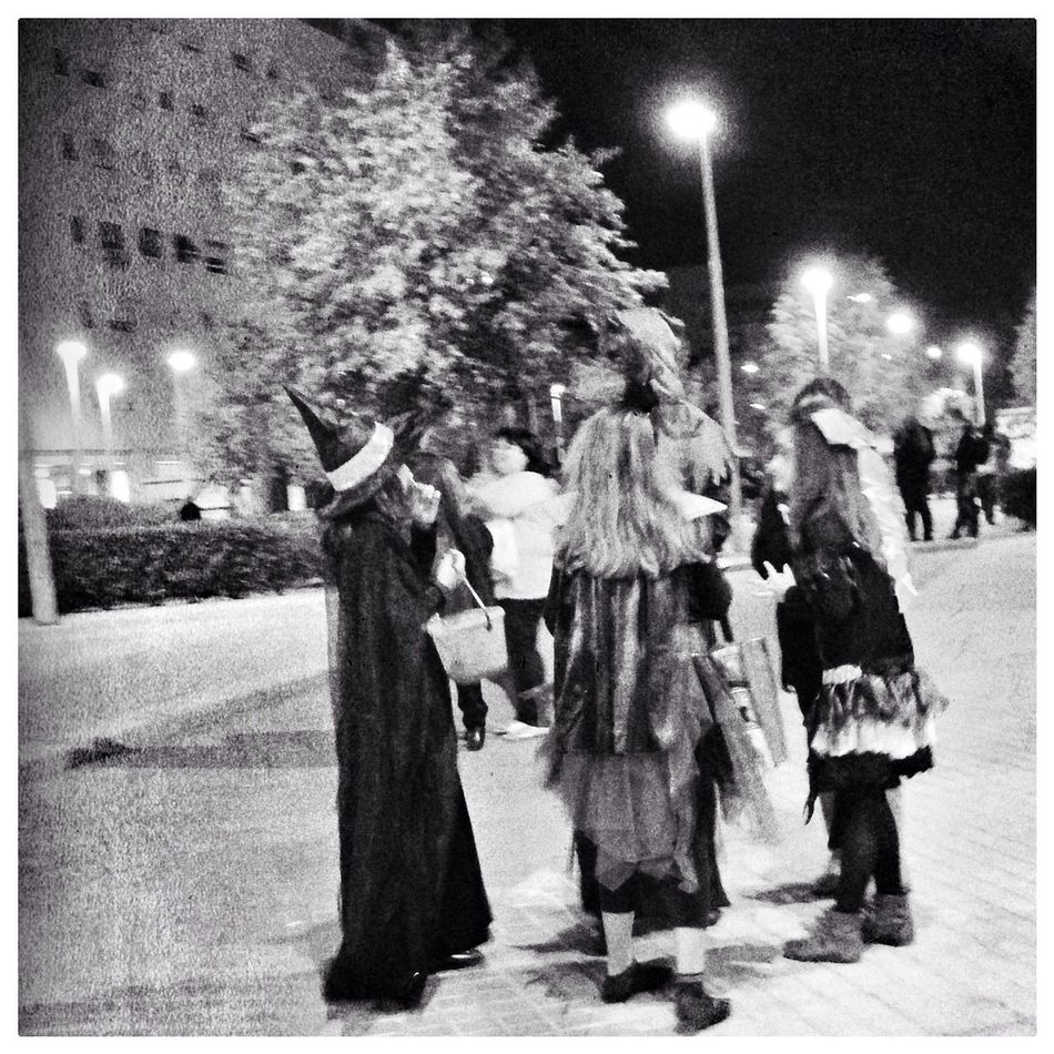 Blackandwhite Oggl Streetphotography Halloween