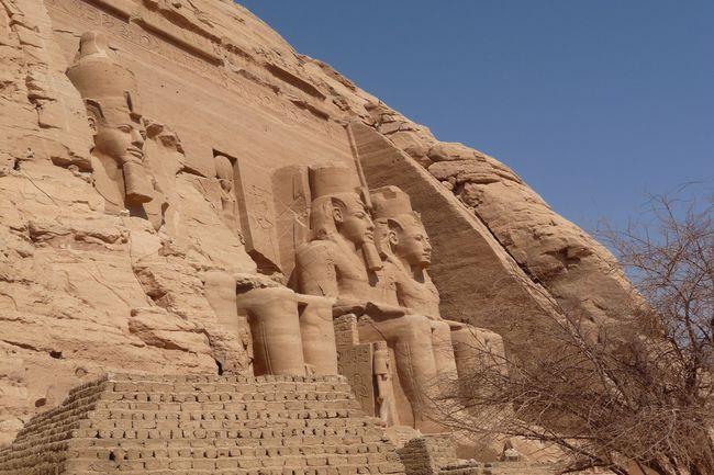 Egypte '11 ArttVue En Contre-plongéepTourismeoMonumentoCivilisation AntiqueaDestination De Voyage ExterieurtRamses Endroit CélèbrecAntiqueAJourneyjCieleArcheologieeologie