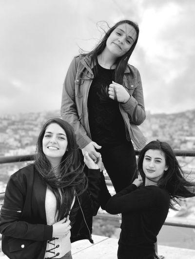 Friendship makes good times memorable👌🏻 Friendship Friends College Onthetop Love Smile B&w