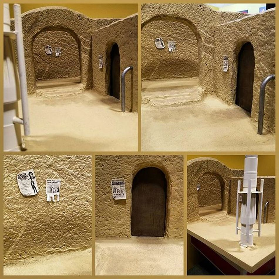 Sand, weathering and some props added to Sandtooine Almost done. Tatooine Starwarstoyfigures Starwars Starwarsblackseries Blackseries Starwarstheblackseries Ihatesand Moistureevaporators Moisturefarm Diorama Wanted Wantedposter Droids Hansolo