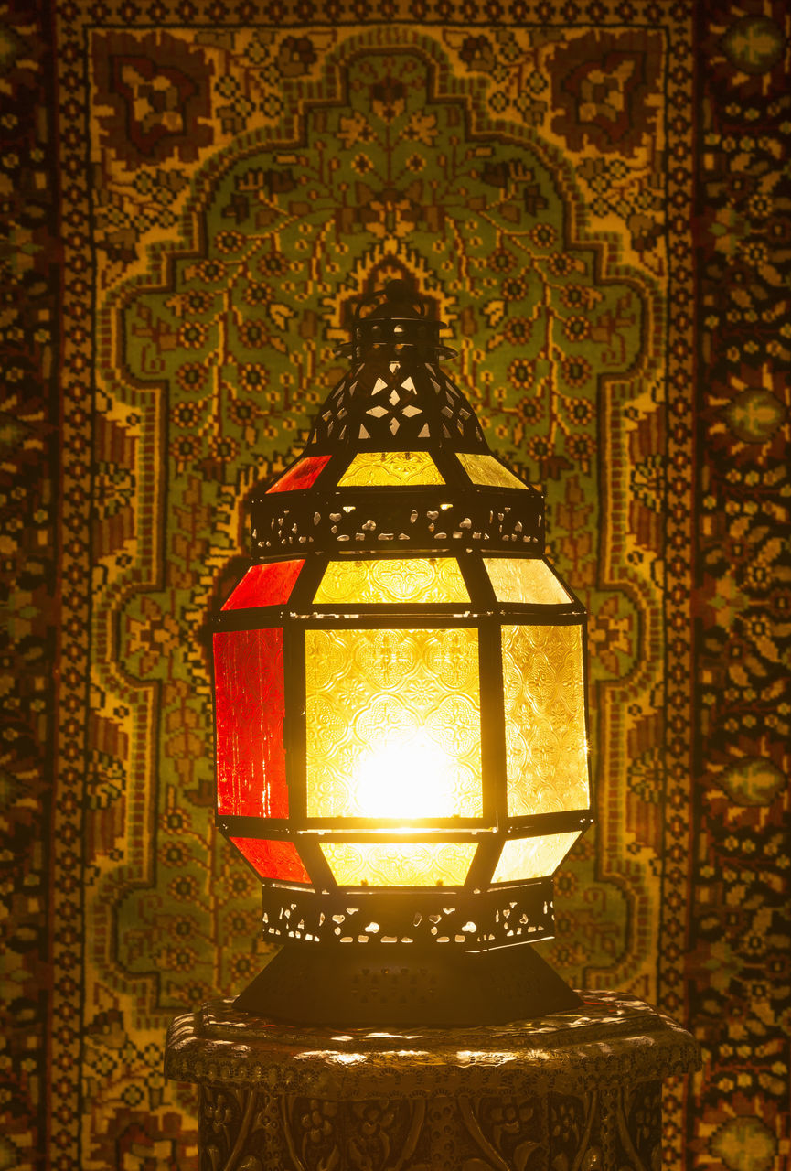 lighting equipment, illuminated, design, electric lamp, indoors, pattern, ornate, glowing, no people, close-up, electricity, day