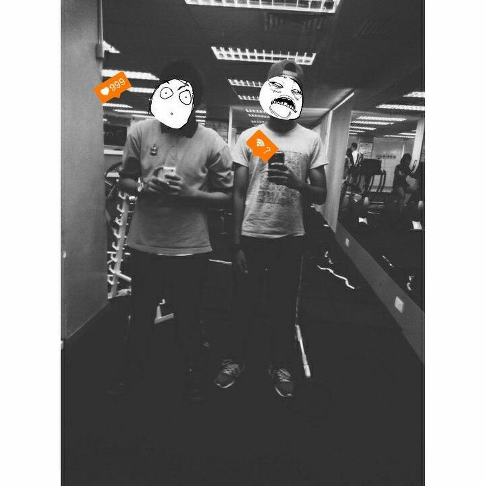 at the gym utc kedah wit my friend throwback Taking Photos GiddyLizer Malaysian That's Me Good Morning Mirror Wefie Gym Gym Time Trollface