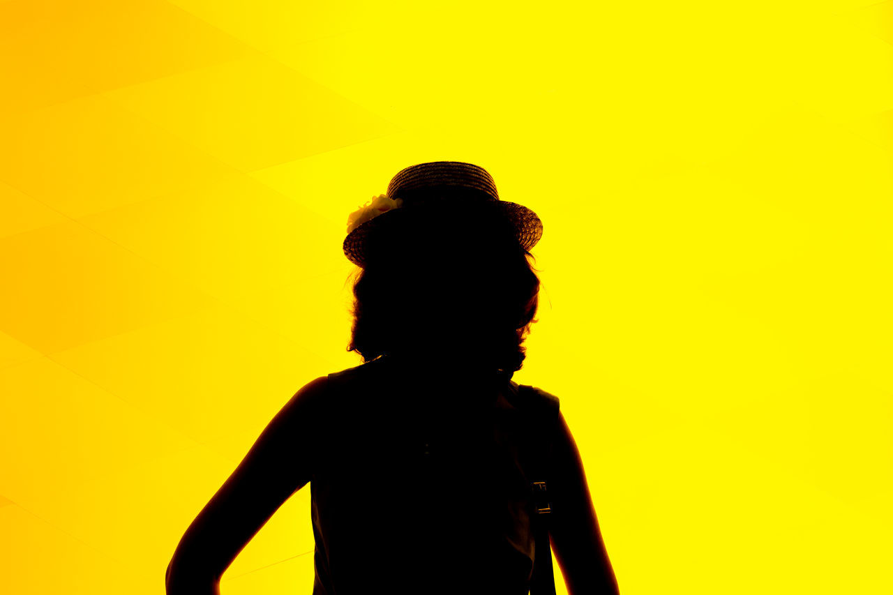 Let's party! Black Contrast Black Yellow Electric Light Electric Yellow EyeEm Best Shots Eyeem Black And Yellow Fashion Photography Fondation Louis Vuitton  France 🇫🇷 It Is All About Contrast Let's Party Louis Vuitton One Person Paris ParisByNight Party Silhouette Simple Woman With A Hat Yellow Neon Yellow Jane Doe Sillhouette Photography