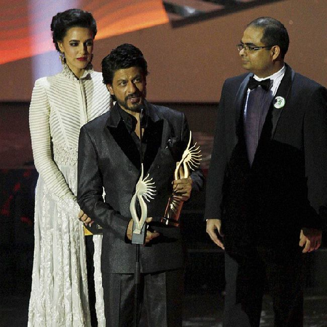 @iamsrk IIFA2013 saw Bollywood biggies getting their share of appreciation and Bollywood 's KingKhan , ShahRukhKhan bagged the award for TheDigitalStar of the Year. (AP/PTI) Ahead, a look at the big winners of the 14thIIFAawards.