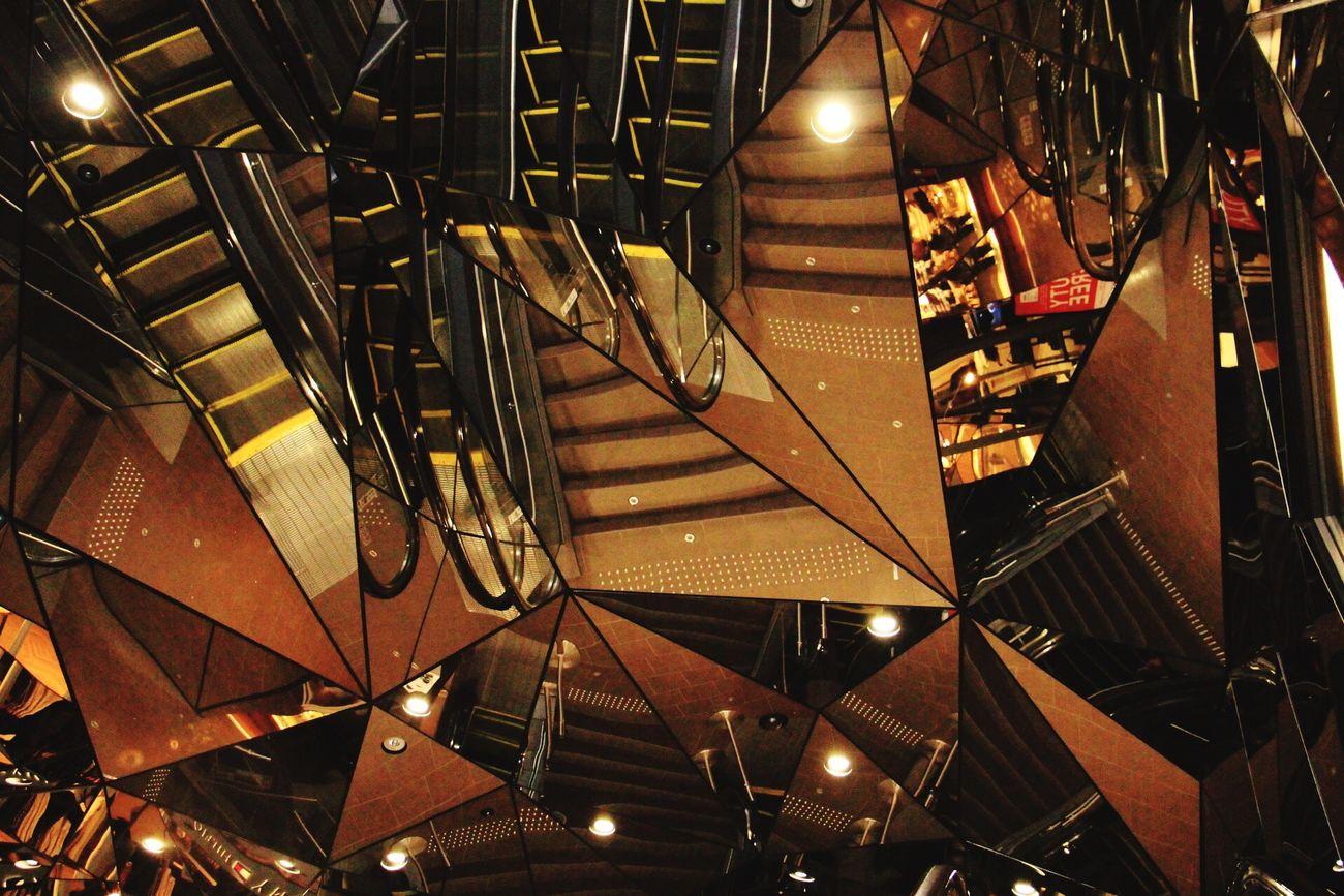 Shibuya Tokyo Camera Walk Mirror Billding Harajuku HarajukuCity
