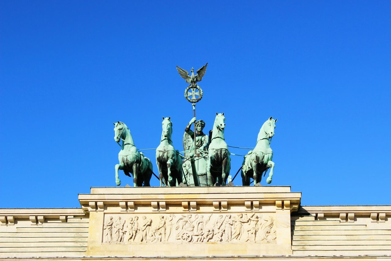 Brandenburg Gate Statue City Travel Destinations Brandenburg Brandenburger Tor Brandenburgertor Brandenburger Gate Brandenburger Tor Potsdam Berlincity Berlin Photography Berlin, Germany  City Architecture Berlin Life Berlin, Germany  Berlin Clear Sky Platz Statue History Awesome Berlin Catheral Amazing Cultures