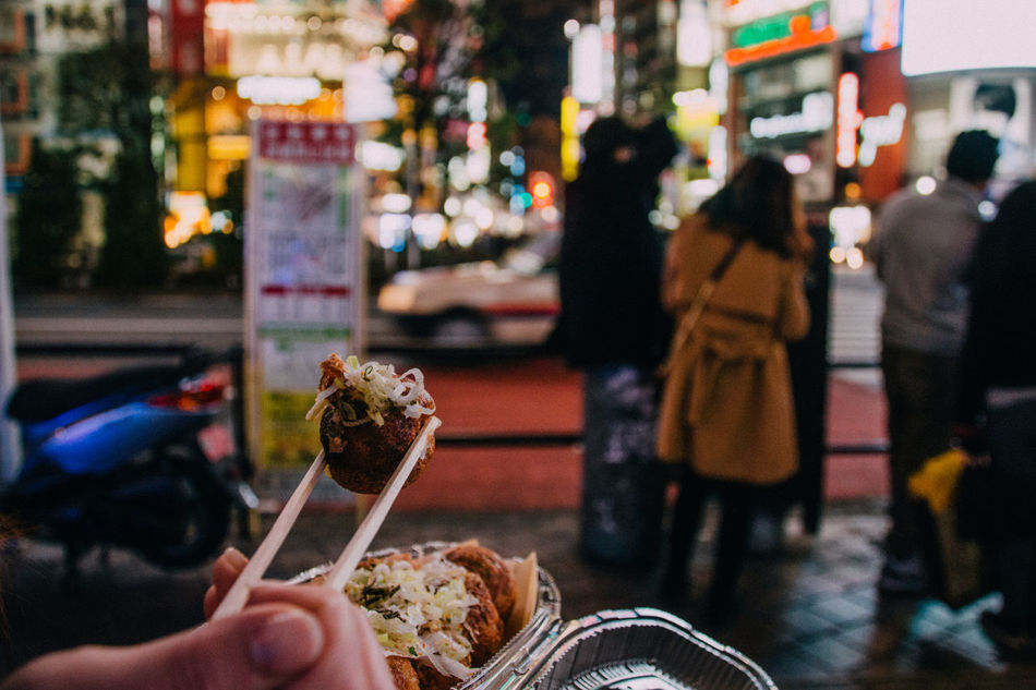 Streetphotography Takoyaki Hands At Work Night People Colors Night Lights Japanese Food Japanese Culture Ready-to-eat Snapshots Of Life Showcase: January Winter GetYourGuide Cityscapes Getting Inspired Walking Around Deli Yummy A Taste Of Life Show Us Your Takeaway! New Year Around The World Capture The Moment The Best From Holiday POV Food Porn Awards Japan Lovers Delivery Heroes