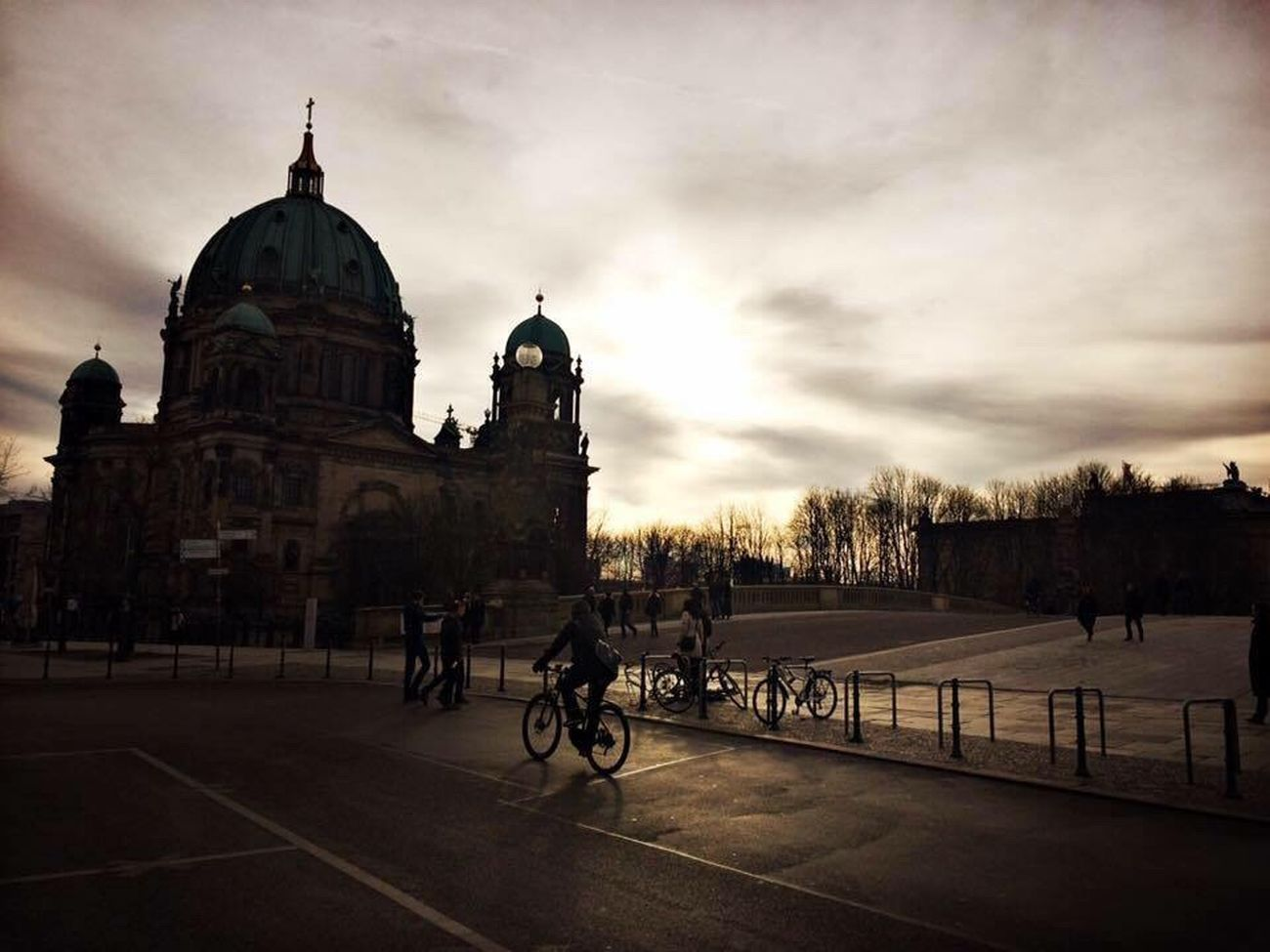 Berlin Berliner Ansichten Berlin Mitte Berlin Photography Berliner Dom Berlin Street Photography Berlinstagram Berlindubistsowunderbar Berlinarchitecture Architecture Dome
