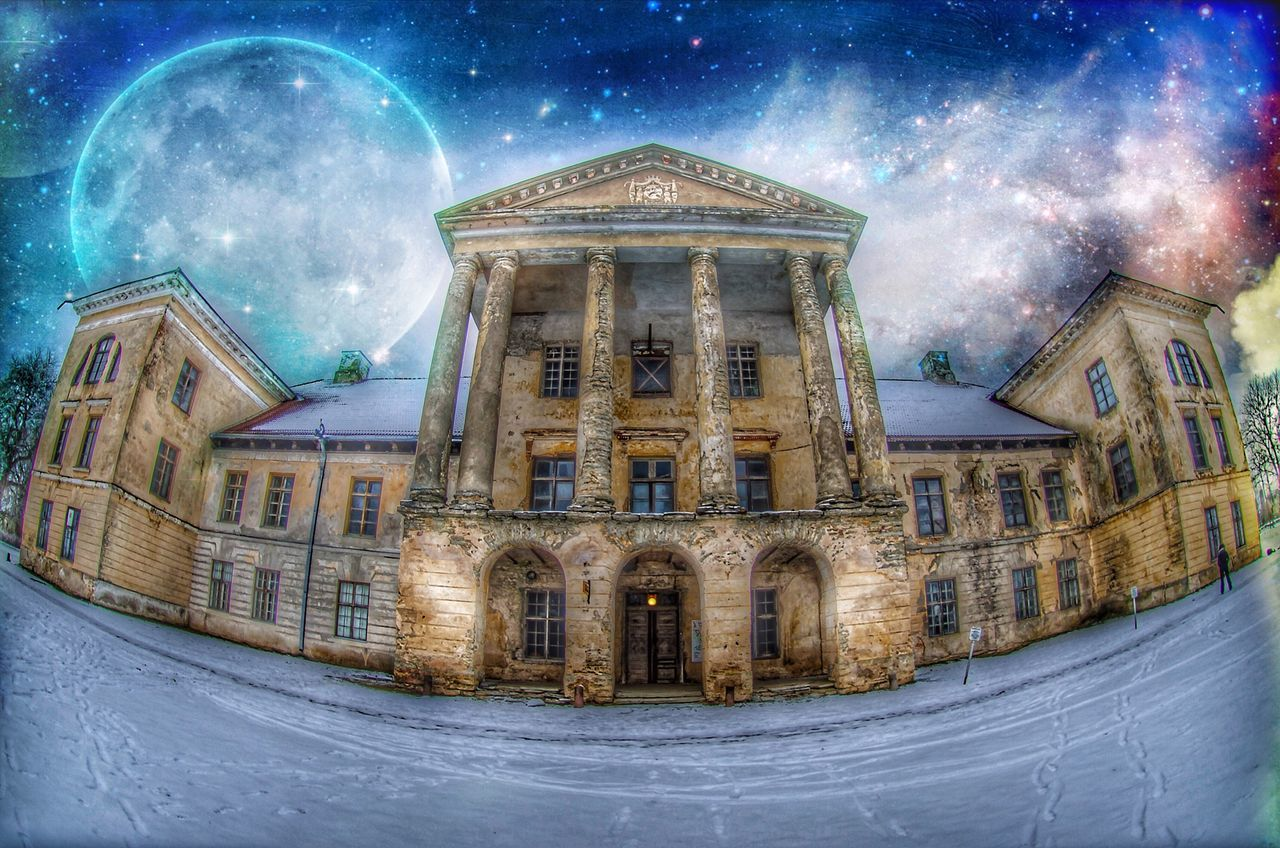 architecture, night, built structure, building exterior, religion, dome, illuminated, spirituality, place of worship, snow, no people, low angle view, winter, outdoors, travel destinations, sky, astronomy, nature, galaxy