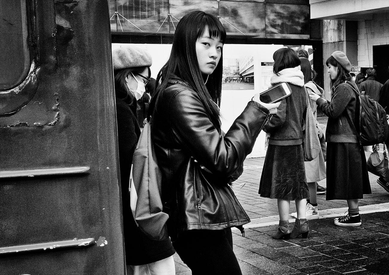 トーキョー・ブルース ~Tokyo Blues~ 渋谷 Shibuya B&w Street Photography Black And White Creative Light And Shadow Monochrome Photography People Shibuya SHINJYUKU Street Street Photography Streetphoto Streetphoto_bw Streetphotographer Streetphotographers Streetphotography Streetphotography_bw Tokyo Tokyo Street Photography Tokyo,Japan