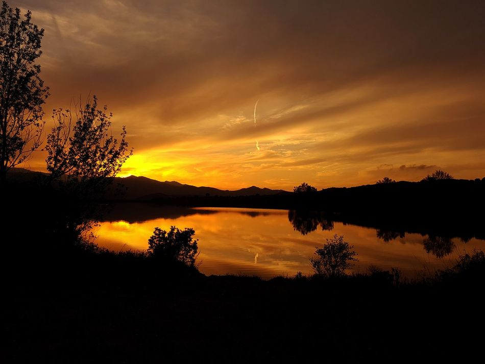 Bonne soirée... Reflection Sunset Silhouette Lake Tree Scenics Water Dramatic Sky Nature Beauty In Nature No People Cloud - Sky Landscape Tranquil Scene Outdoors Sky Tranquility Day Heat - Temperature Corsica