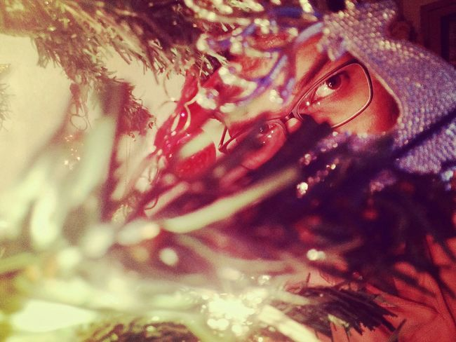 Oneplusone Mobile Photography Under Light Lowlight Lowlightphotography Retrica Hiding Eyes Christmastime Christmas Decorations Christmastree Christmas Lights Showcase March Showing Imperfection