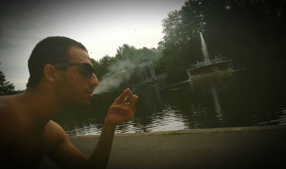 Chilling Smoke Weed Walking Around Nicetime Montréal