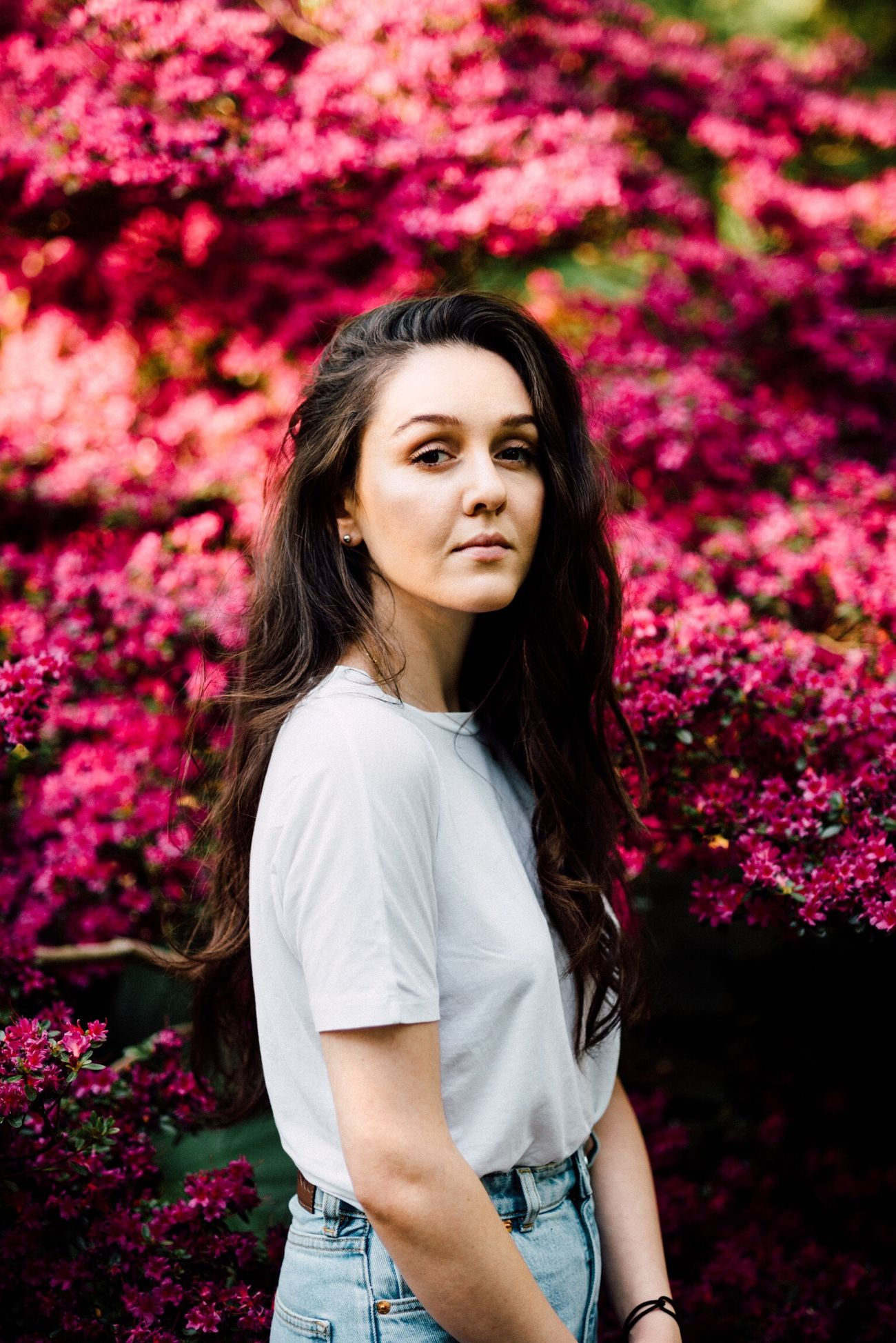 melis Flower Only Women Long Hair Beauty Beautiful Woman Adult One Person Beautiful People One Woman Only Adults Only Portrait Outdoors Nature Women One Young Woman Only People Tree Springtime Beauty In Nature Human Body Part EyeEmBestPics EyeEm Gallery EyeEm Best Shots