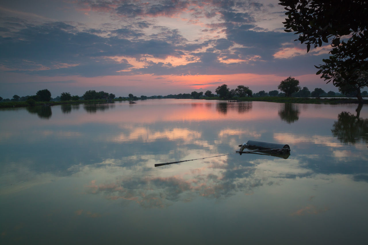 Morning show Reflection Water Lake Cloud - Sky Sky Sunrise Morning Light Morning Morning View Morning Glow Morning Glory Morning Sunrise Water Reflections Landscape Beauty In Nature Nature Outdoors Reflection