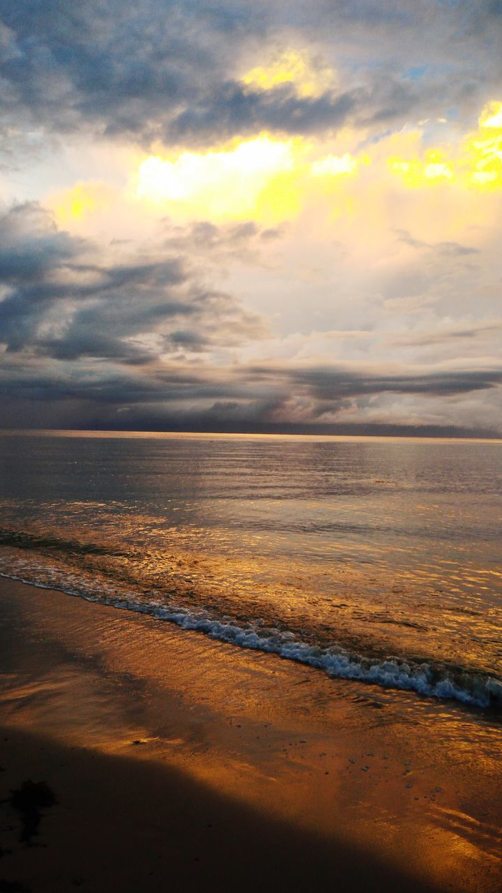 sea, scenics, water, beauty in nature, horizon over water, tranquil scene, tranquility, nature, sky, beach, idyllic, cloud - sky, sunset, no people, outdoors, waterfront, day, wave