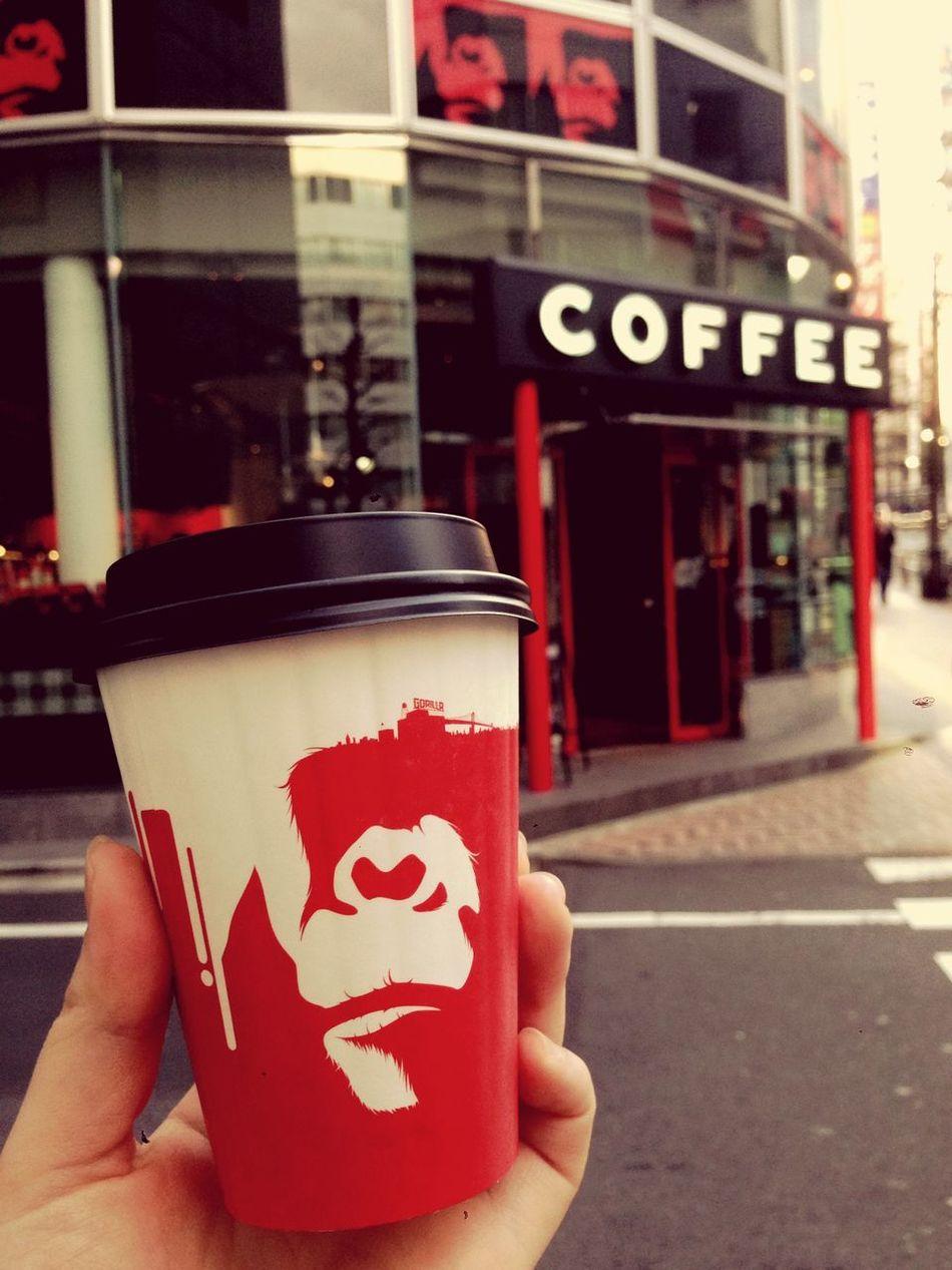 ミーハー💁 Cafe Latte Coffee And Cigarettes Coffee Break Drinking A Latte Tokyo Shibuya Gorillacoffee Gorilla